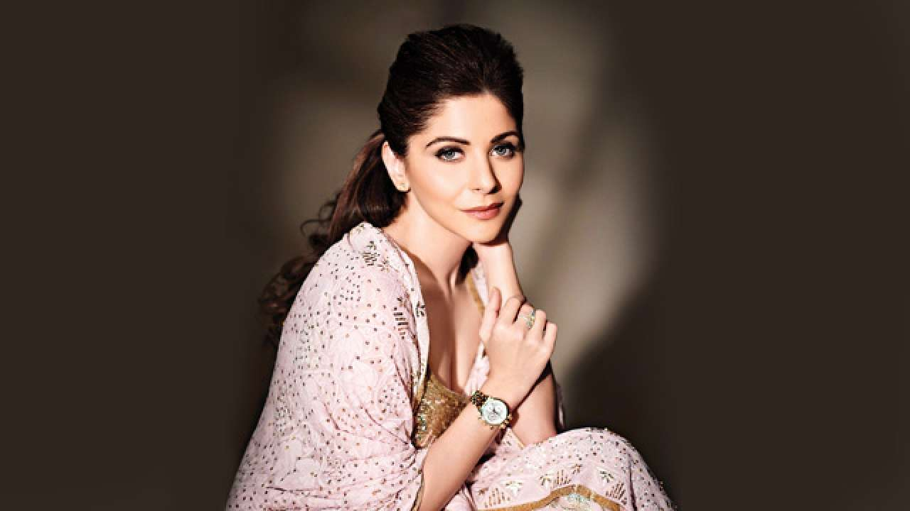 Kanika Kapoor tests positive for COVID-19